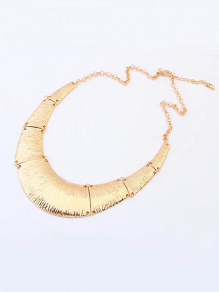 Occident Hyperbolic Metallic Do the Old Retro Necklace